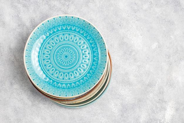 Różne Ceramiczne Puste Talerze I Miski. Darmowe Zdjęcia