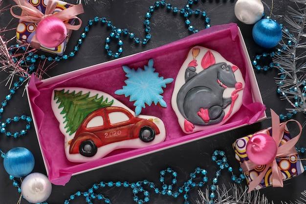 Różne Domowe Pierniki W Pudełku, Prezenty świąteczne Premium Zdjęcia