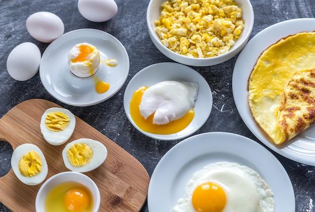Różne Sposoby Gotowania Jajek Premium Zdjęcia