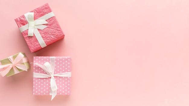 Różowe Prezenty Z Miejsca Kopiowania Darmowe Zdjęcia