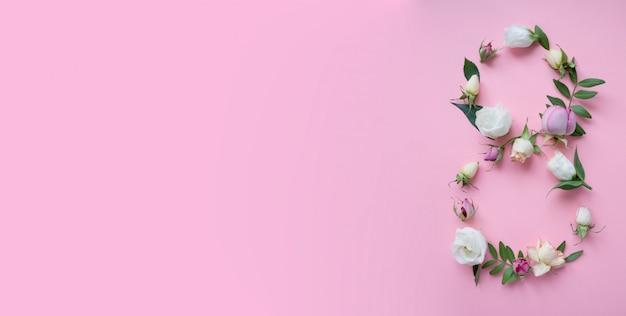 Rycina 8 Wykonana Z Różnych Kwiatów Na Różowo Premium Zdjęcia