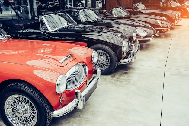 Samochód retro transportu vintage. Premium Zdjęcia