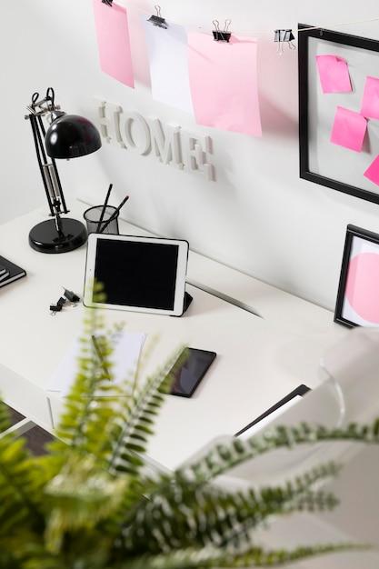 Schludne I Uporządkowane Miejsce Do Pracy Z Laptopem Darmowe Zdjęcia
