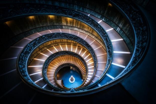 Schody W Muzea Watykańskie, Watykan, Rzym, Włochy Premium Zdjęcia