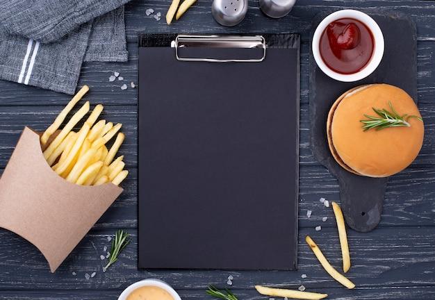 Schowek Obok Hamburgera Z Frytkami Darmowe Zdjęcia