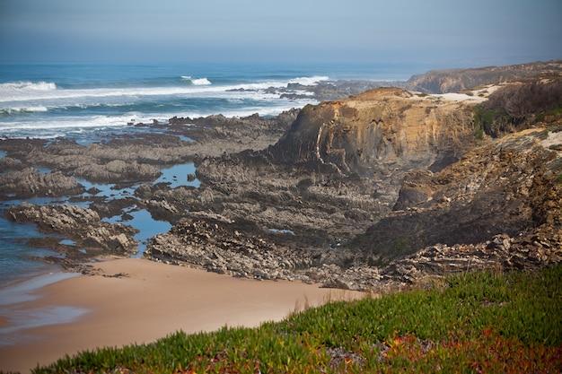 Seascape Ze Skałami Premium Zdjęcia