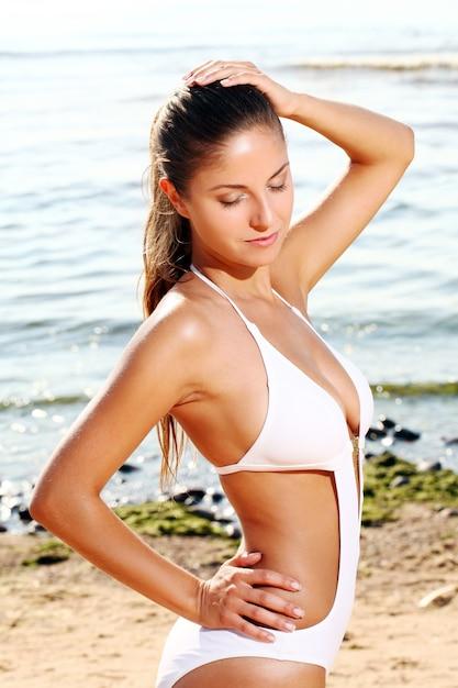 Seksowna Kobieta Na Plaży Darmowe Zdjęcia
