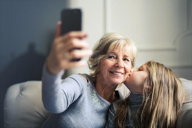 Selfie Z Babcią Premium Zdjęcia