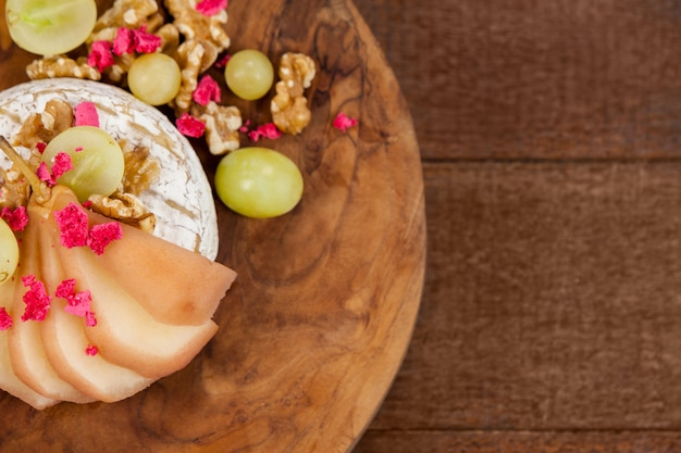 Ser Z Suszonymi Owocami I Owocami Premium Zdjęcia