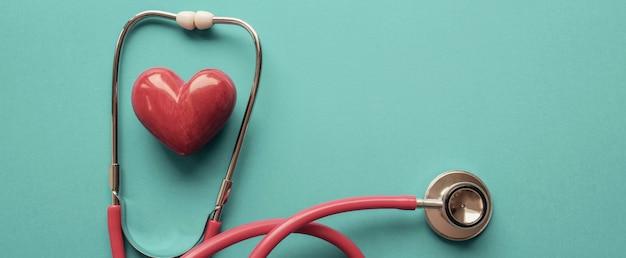 Serce Z Stetoskop, Zdrowie Serca, Pojęcie Ubezpieczenia Zdrowotnego Premium Zdjęcia