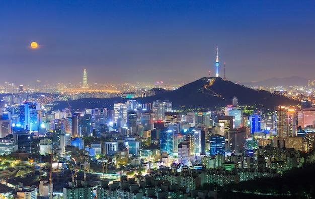 Seul City Skyline I N Seoul Tower W Seulu Premium Zdjęcia