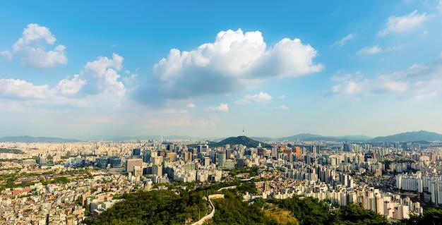 Seul City Skyline I Seul Tower Korea Południowa Premium Zdjęcia