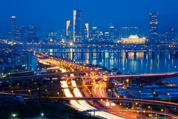 Seul Pejzaż Miejski W Zmierzchu, Korea Południowa. Premium Zdjęcia