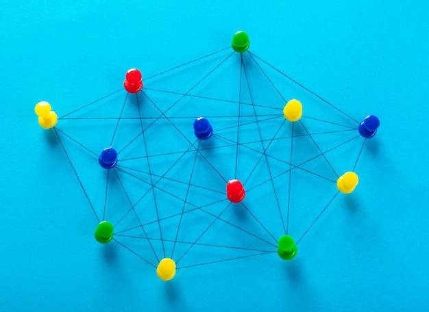 Sieć z pinami Premium Zdjęcia