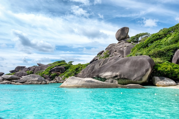 Similan Bay żeglarska Wyspa Skalna W Morzu Andamańskim Premium Zdjęcia