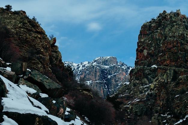 Skaliste Zaśnieżone Góry Darmowe Zdjęcia