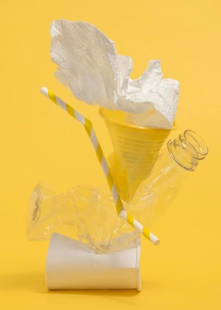 Skład Plastikowych Przedmiotów Nie Przyjaznych środowisku Darmowe Zdjęcia