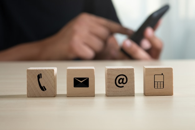 Skontaktuj się z nami (ludzie z linii pomocy technicznej connect) zadzwoń do działu obsługi klienta Premium Zdjęcia