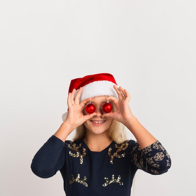 Śliczna Dziewczyna Z Boże Narodzenie Dekoracjami Darmowe Zdjęcia
