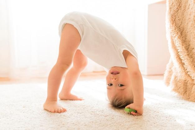 Słodkie Dziecko Zabawy Premium Zdjęcia