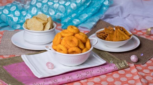 Słone jedzenie Premium Zdjęcia