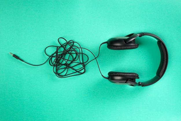 Słuchawki Na Zielono Premium Zdjęcia