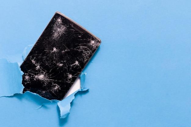 Smartphone Naprawa Na Błękitnym Tle Premium Zdjęcia