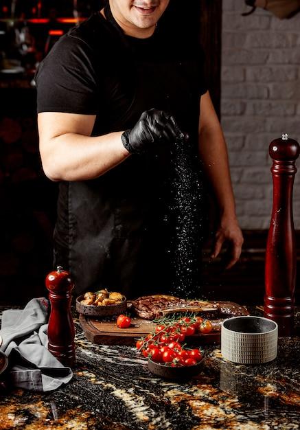 Smażone Mięso Z Ziemniakami I Pomidorami Darmowe Zdjęcia