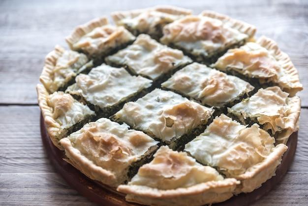 Spanakopita - Greckie Ciasto Szpinakowe Premium Zdjęcia