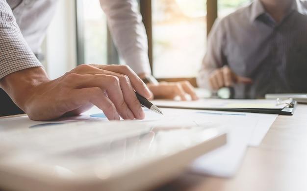Spotkanie Zespołowe Executive Business Meeting Pomysł Burzy Mózgów Koncepcja Pracy I Marketingu Premium Zdjęcia