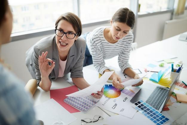 Spotkanie Zespołu Kreatywnego Biznesu Premium Zdjęcia