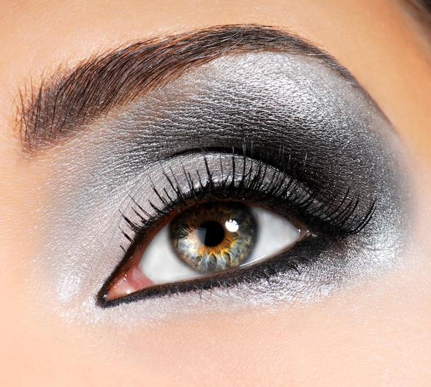 Srebrno-czarny Jasny Makijaż Modowy Darmowe Zdjęcia