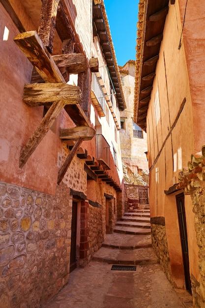 Średniowieczne miasto albarracin w teruel w hiszpanii Premium Zdjęcia