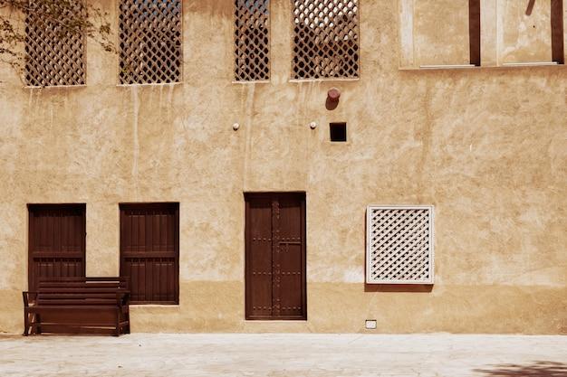 Starożytne Budynki Na Ulicach Starego Dubaju Premium Zdjęcia