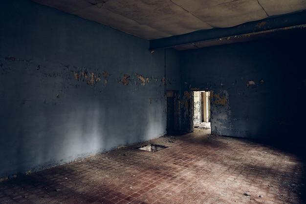 Stary Budynek Niszczeje Z Biegiem Czasu Darmowe Zdjęcia