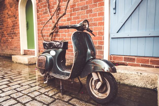 Stary I Zabytkowy Motocykl Premium Zdjęcia
