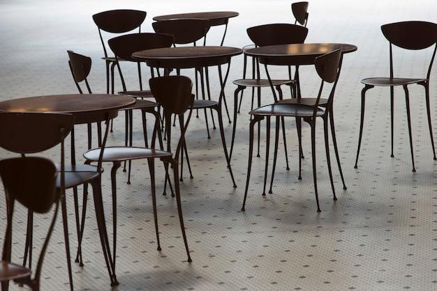 Stoły I Krzesła W Kawiarni Przy Zjednoczenie Stacją Seattle