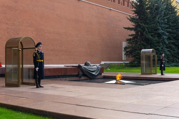 Straż przy ścianie kremla Premium Zdjęcia