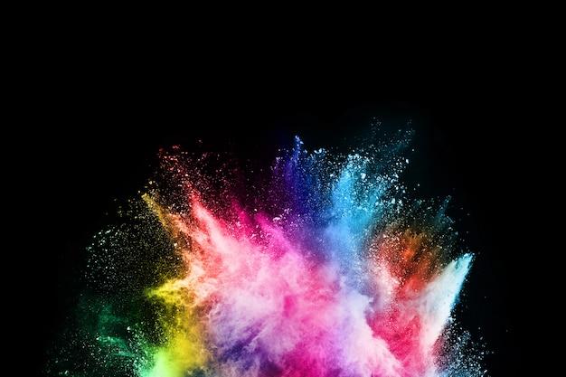 Streszczenie Kolorowy Wybuch Pyłu Na Czarnym Tle Premium Zdjęcia