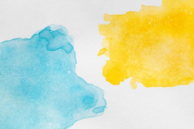 Streszczenie kontrastujących kolorów atramentu na białej powierzchni Darmowe Zdjęcia