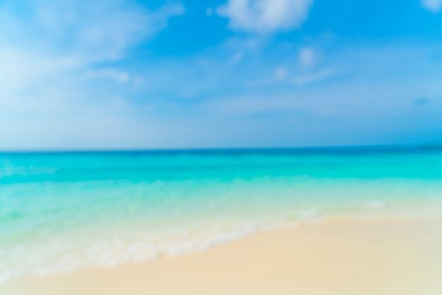 Streszczenie Rozmycie Piękne Tropikalnej Plaży Morze I Błękitne Niebo W Tle Premium Zdjęcia