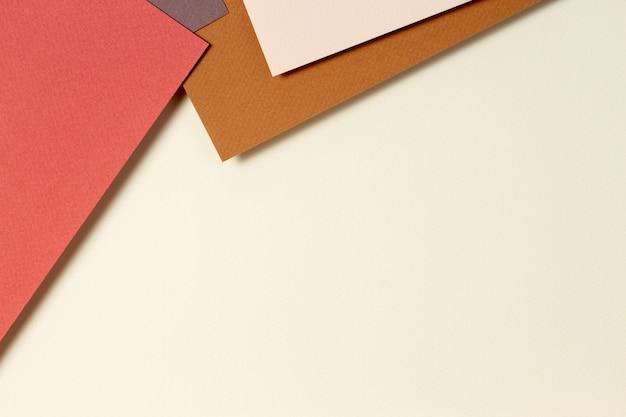 Streszczenie Tło Geometryczne Papieru W Kolorach Ziemi. Beżowe, żółte, Brązowe Kolory Tła Premium Zdjęcia