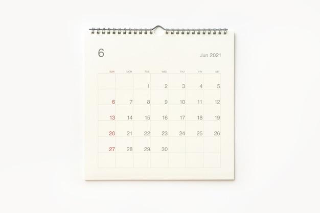 Strona Kalendarza Czerwca 2021 Na Białym Tle. Tło Kalendarza Dla Przypomnienia, Planowania Biznesowego, Spotkania Terminowego I Wydarzenia. Premium Zdjęcia