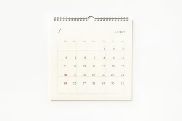 Strona Kalendarza Lipca 2021 Na Białym Tle. Tło Kalendarza Dla Przypomnienia, Planowania Biznesowego, Spotkania Terminowego I Wydarzenia. Premium Zdjęcia