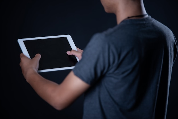 Student Chłopiec Korzysta Z Laptopa, Nauka Online, Edukacja Darmowe Zdjęcia