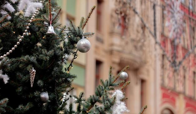 Świąteczne dekoracje na rynku we wrocławiu Premium Zdjęcia