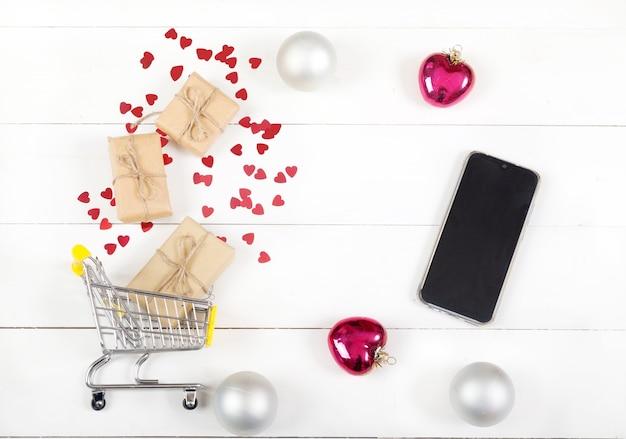 Świąteczne Zakupy Na Prezenty I Smartfona Premium Zdjęcia