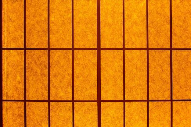 Światło Robaka Na Drzwiach Harmonijkowych W Stylu Japońskim Dla Luksusowej Tapety Lub Tła. Japońska Przesuwna ściana Działowa. Premium Zdjęcia