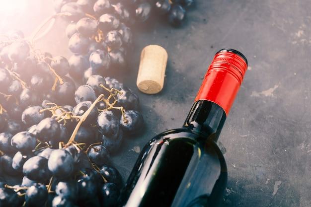 Święto Dziękczynienia. Wino I Winogrona, Widok Z Góry, Z Bliska Premium Zdjęcia