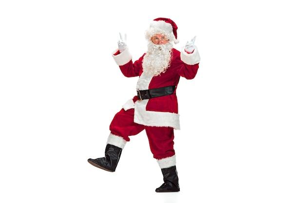 Święty Mikołaj W Czerwonym Stroju Na Białym Tle Darmowe Zdjęcia